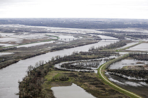 Army Corps takes heat in wake of Missouri River flooding