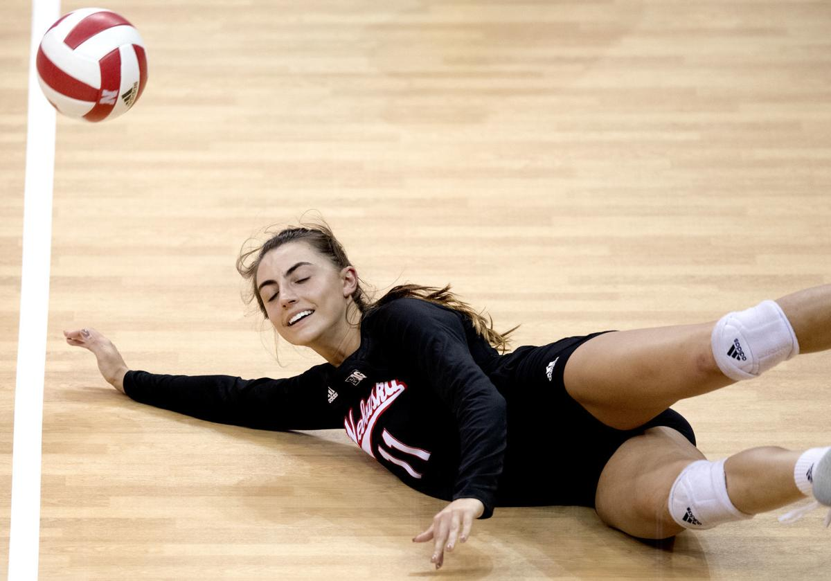Huskers struggle after first set, fall at home to Illinois ...