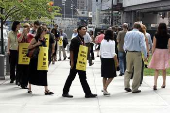 Briefs: Wall Street Journal reporters picket Dow Jones