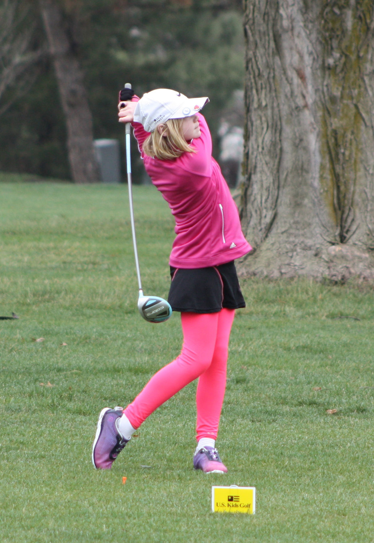 Julia Karmazin tees off