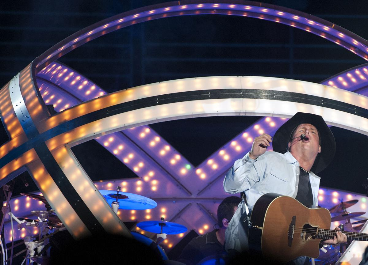 Garth Brooks, Oct. 21