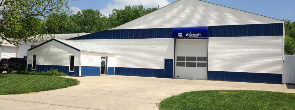 Raynor Doors Of Nebraska Garage Door Installation Lincoln Ne Journalstar