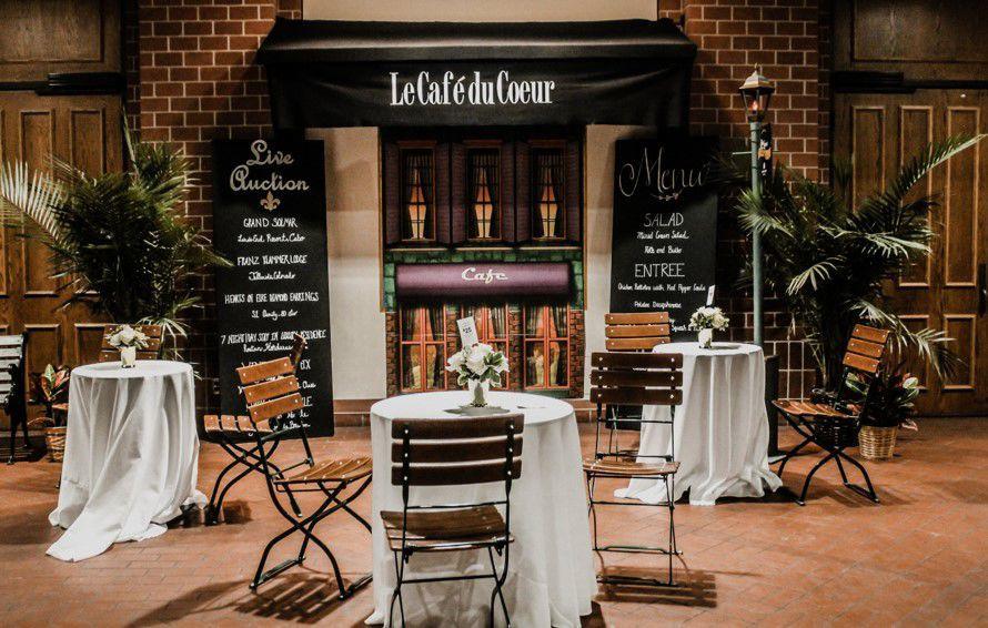 French restaurant décor