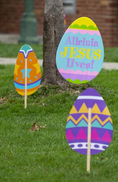 Eggs shown in lawn of First-Plymouth Church