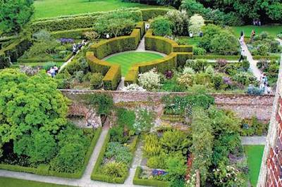 Sissinghurst gardens just a day trip from London