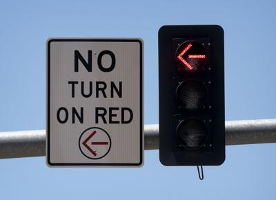 No-turn-on-red sign