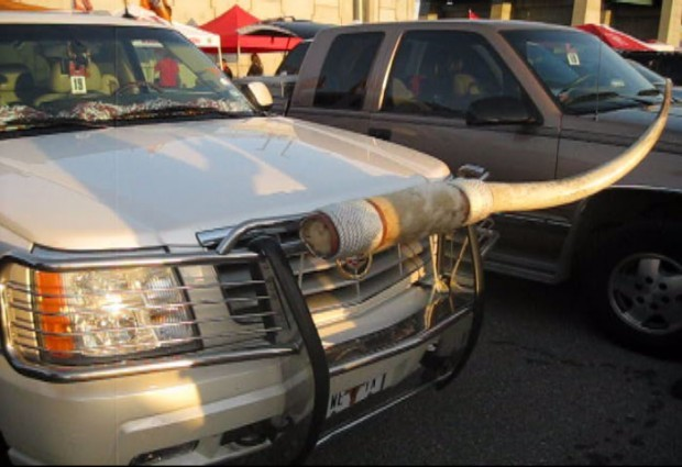 Vandalized Texas fan's Cadillac Escalade