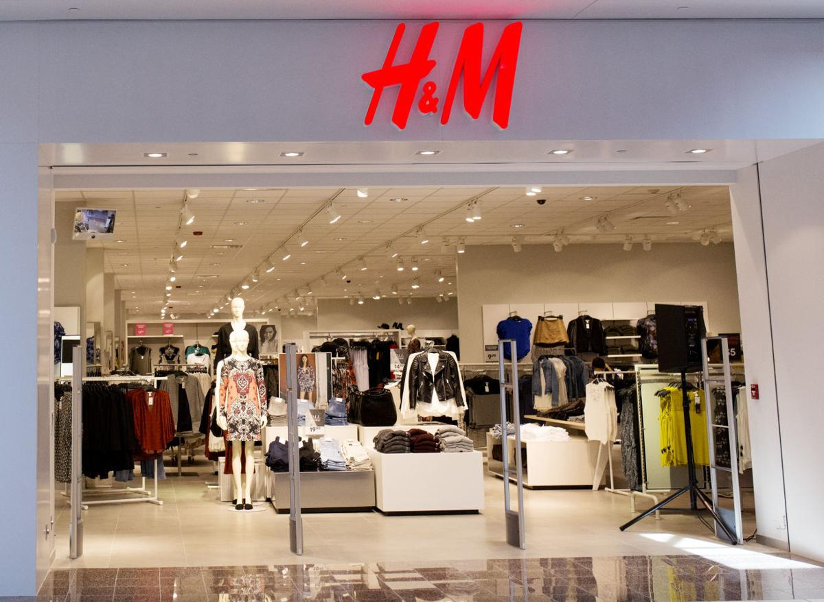 Complete H&M Store Locator. List of all H&M locations. Find hours of operation, street address, driving map, and contact information.