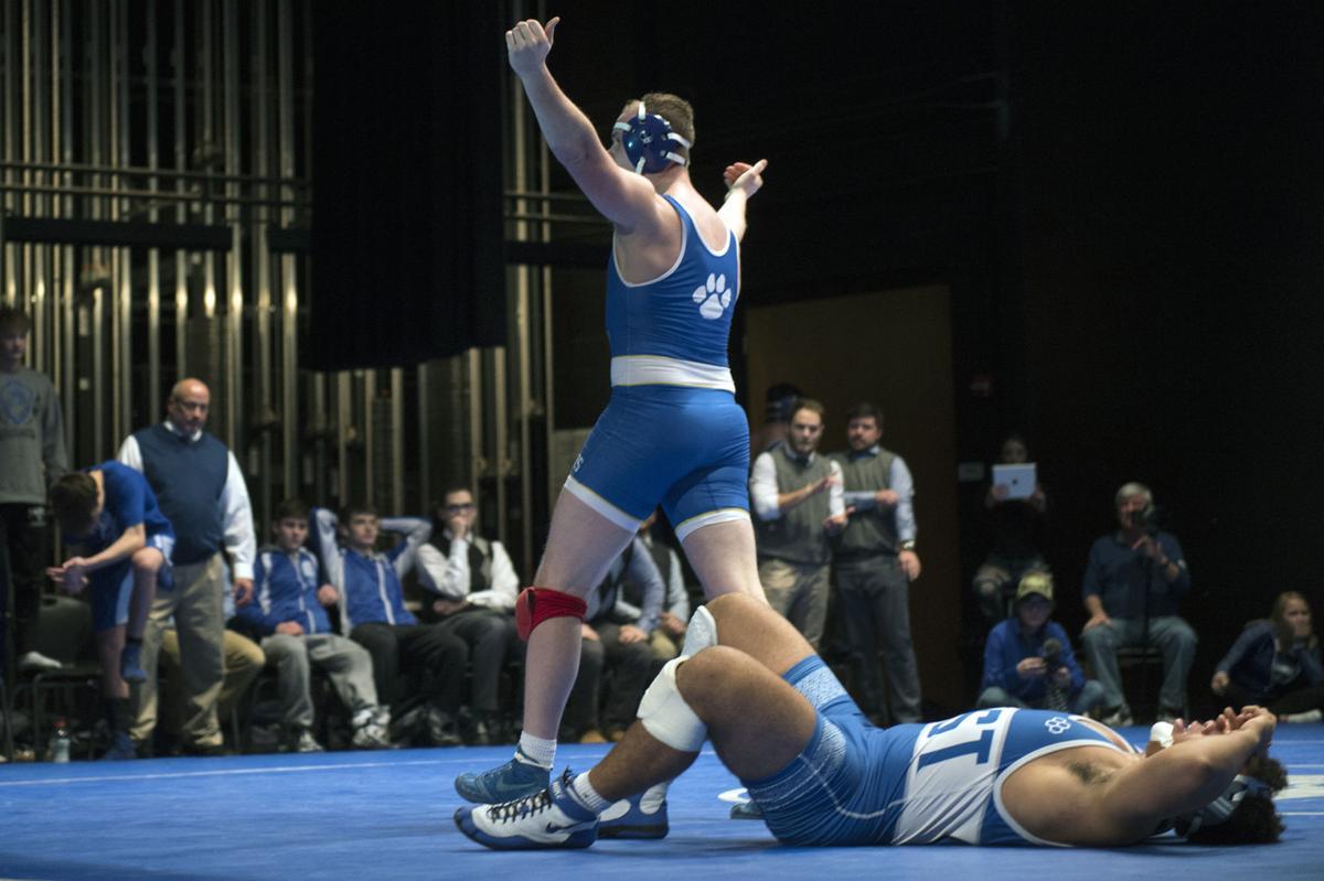 Kearney vs. Lincoln East wrestling, 1/4/18