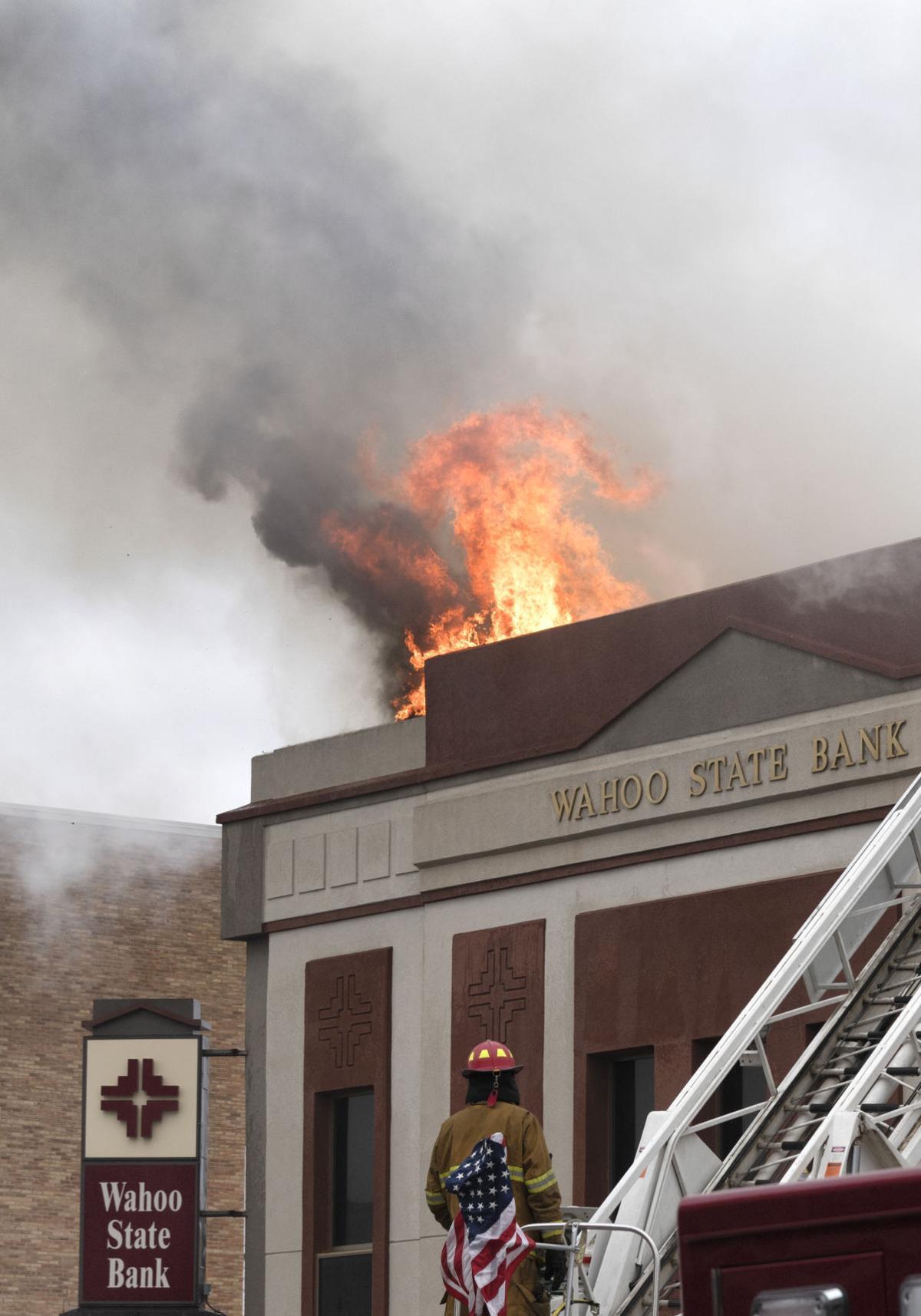 wahoo state bank gutted by fire nebraska news. Black Bedroom Furniture Sets. Home Design Ideas