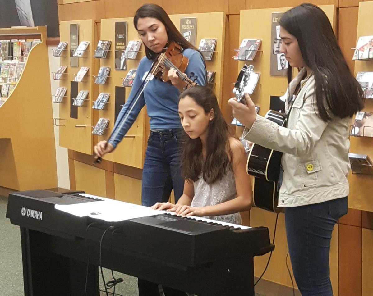 Sisters Selene, Paola and Rocio Izaguirre