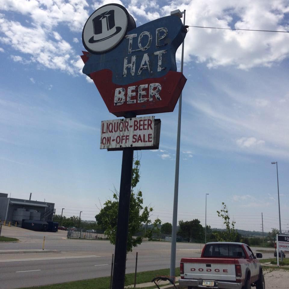 Top Hat Bar