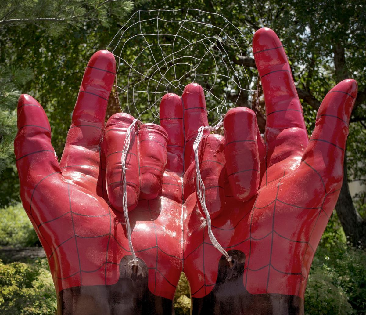 Spiderman's Hands, 7.16