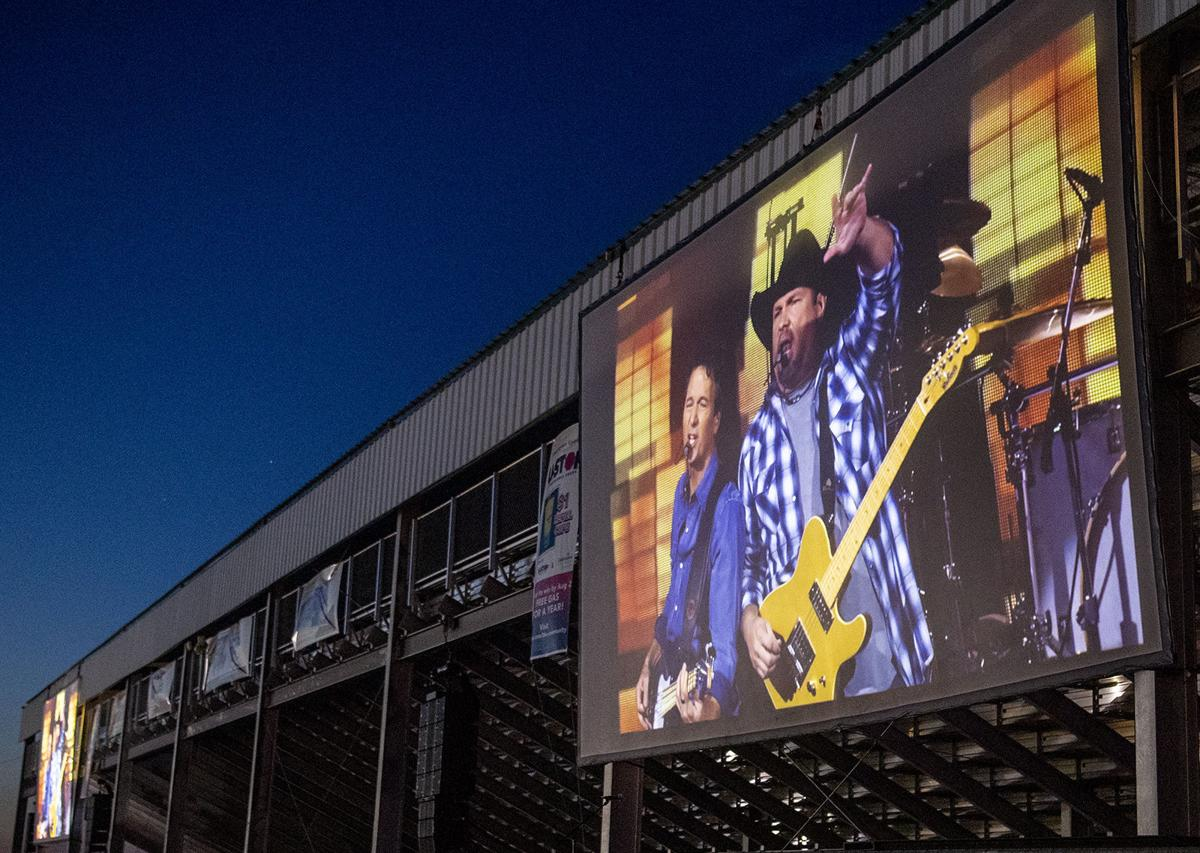 Garth Brooks Drive-In Concert, 6.27
