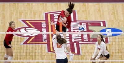 Nebraska volleyball vs. Illinois, 12.13