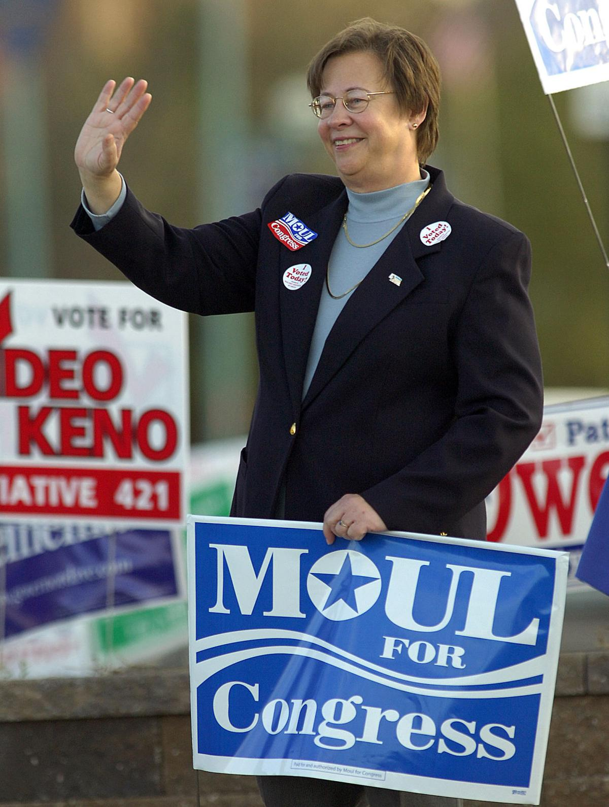 Maxine Moul campaigns for Congress, 27th & Vine, Nov. 2006