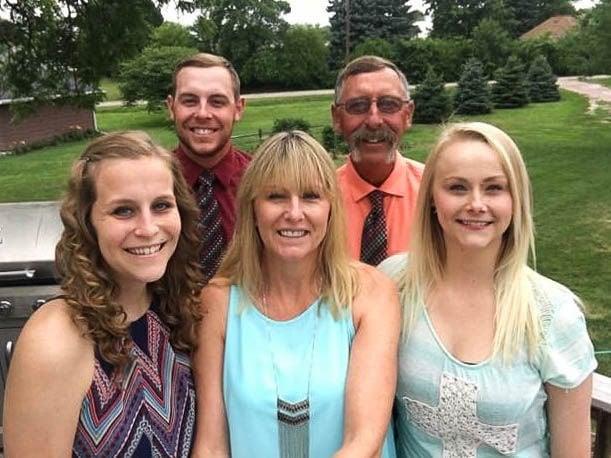 Sydney Loofe and family