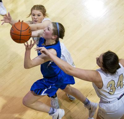 Lincoln East vs. Lincoln Southeast, 1.11