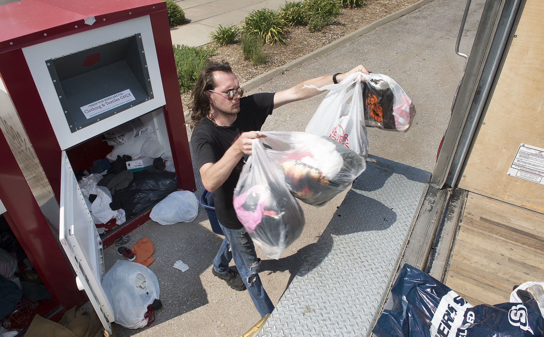 People's City Mission Toss Boxes receiving more trash lately; 2 locations remove boxes | Journal Star