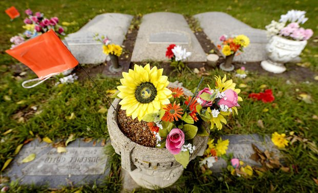 Graveside Flower Pots Benches No Longer Welcome At Cemetery Local