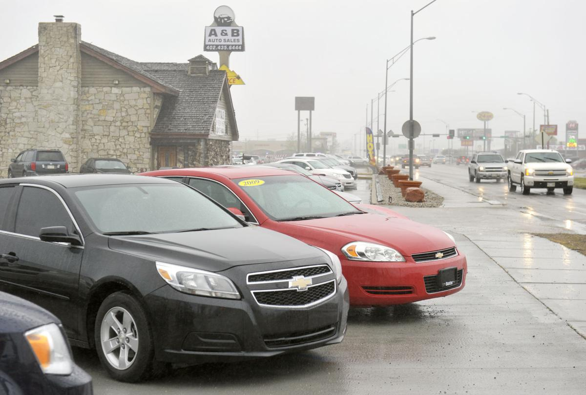 council delays decision on used car lot parking rules local government. Black Bedroom Furniture Sets. Home Design Ideas