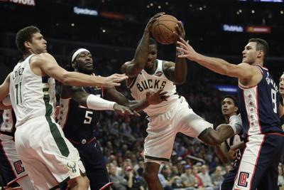 CORRECTION Bucks Clippers Basketball