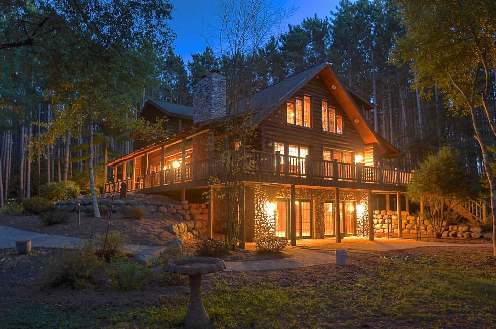5 of the most expensive homes for sale in racine county for Extravagant log homes