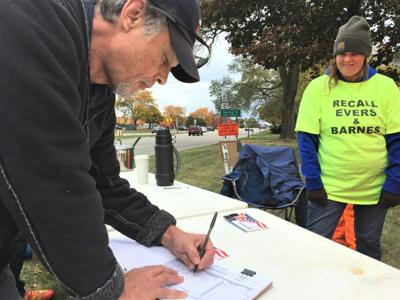 Pop-up recall petition signing station in Mount Pleasant