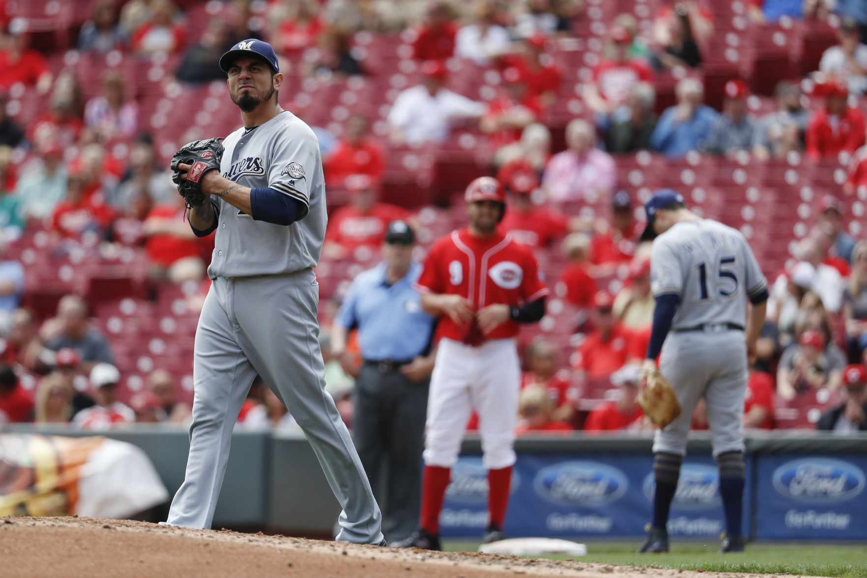 Cincinnati homer means walk-off win against Milwaukee Brewers