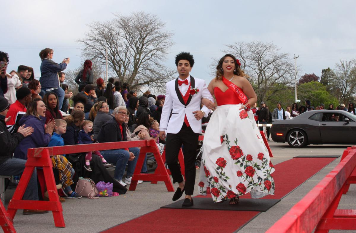'69 Racine Grads Make It To Prom 50 Years Later