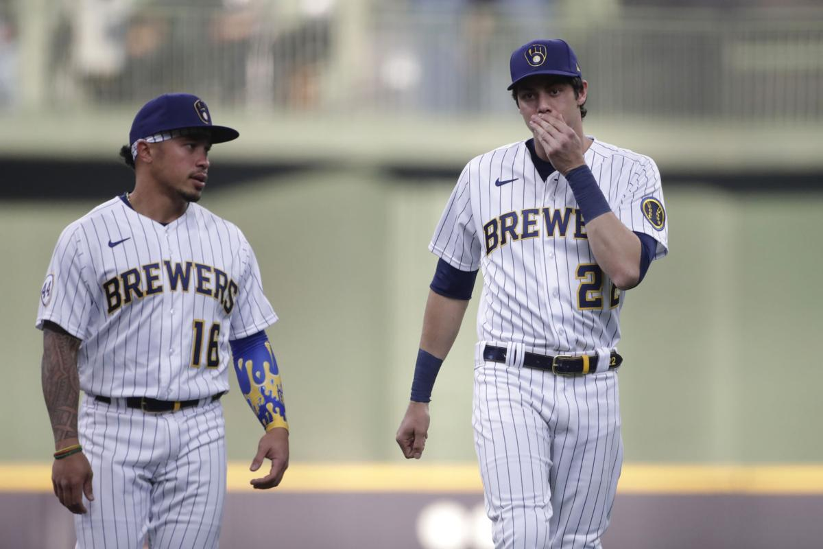 Twins Brewers Baseball