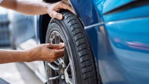 Best Tire Pressure Monitors For 2021.
