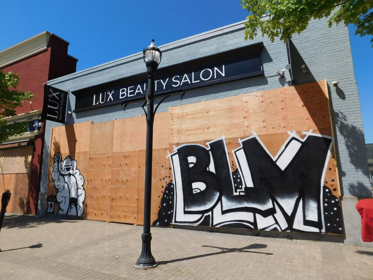 LUX Beauty Salon