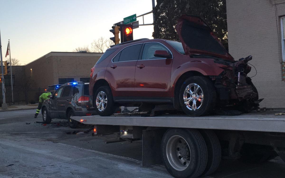 Three-car crash at Washington Ave  and Valley Drive | Crime and