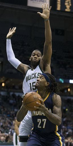 Hill scores 19, Pacers survive rally, beat Bucks 104-99