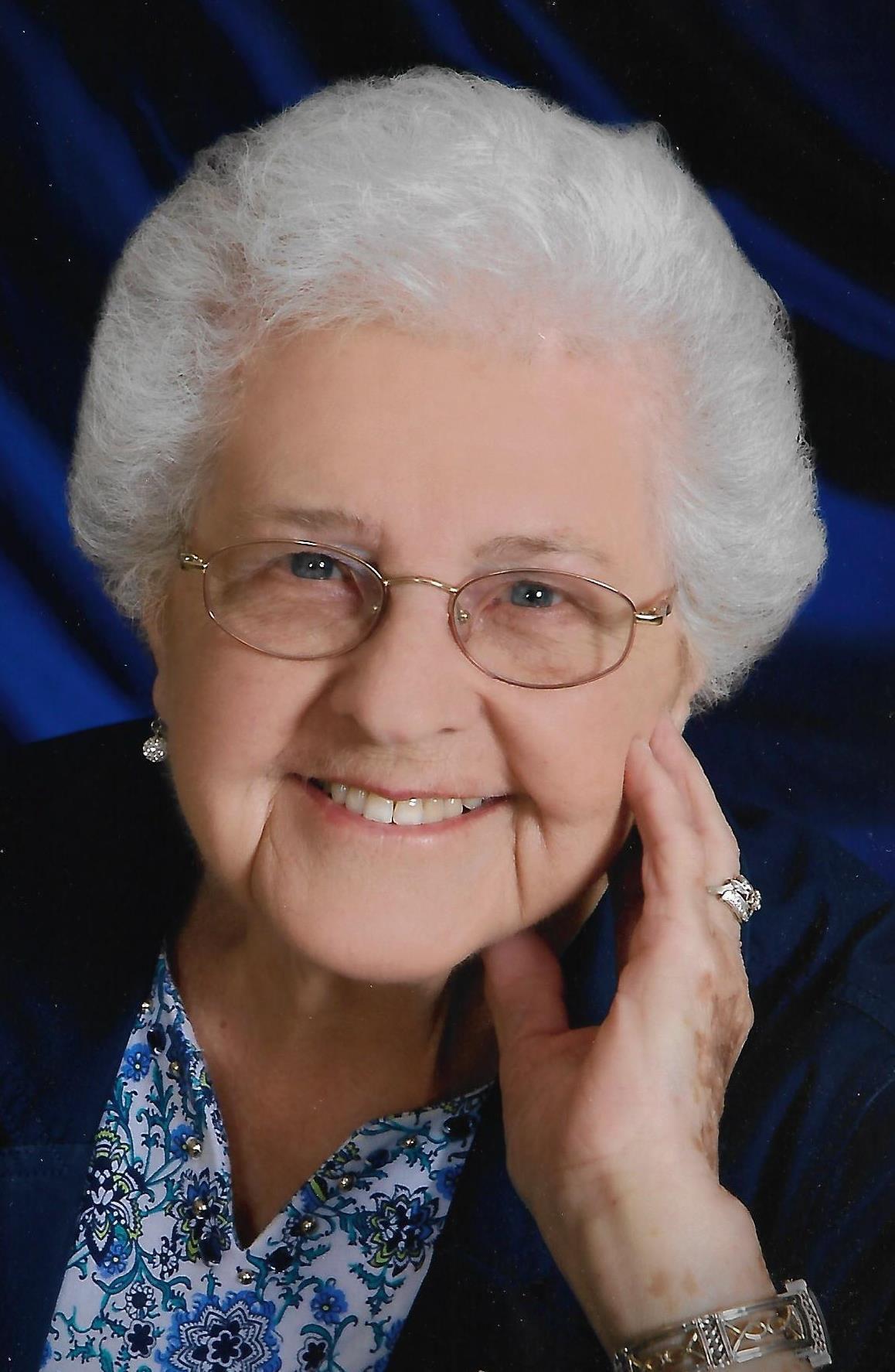 Mrs. Clara Lange