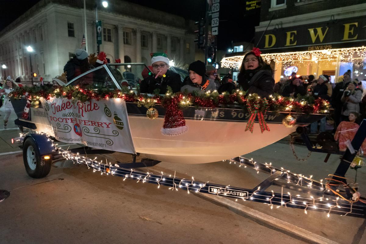 Racine Christmas Parade 2019 Out on the Town: 2018 Downtown Racine Holiday Parade