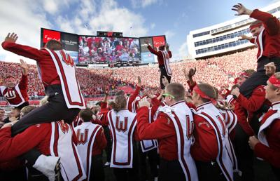 Badgers Football Jump Around Wins Sirius Xm Traditions