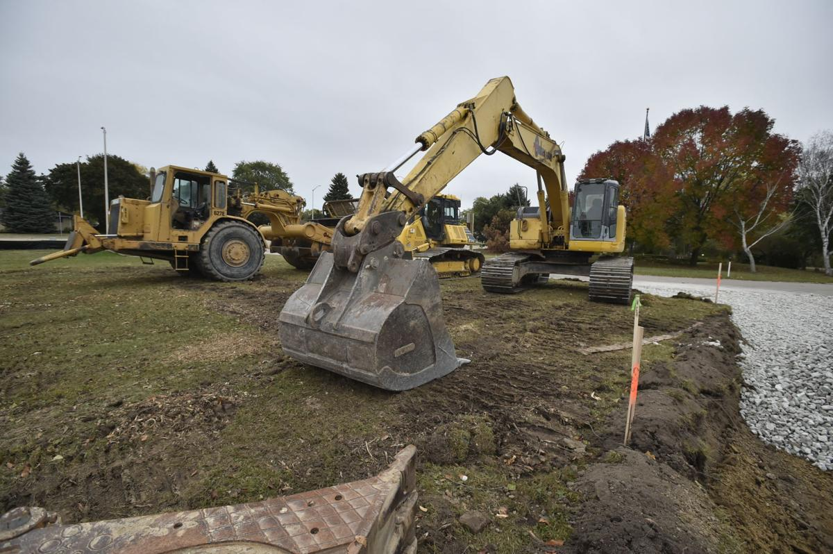 Work starting on Aquatic Center