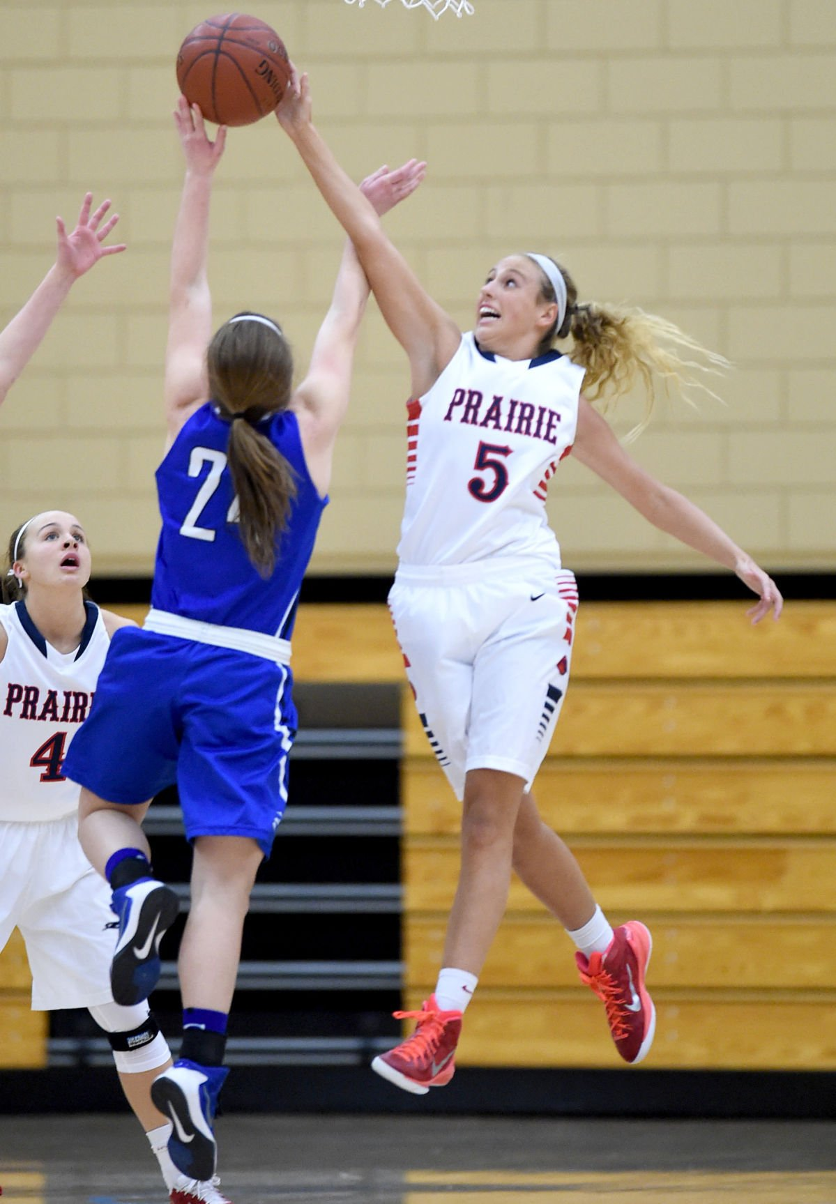 five points single catholic girls High school notebook: central catholic  with two d-i teams and five  making her the fifth st joseph girls basketball player to reach 1,000 points.