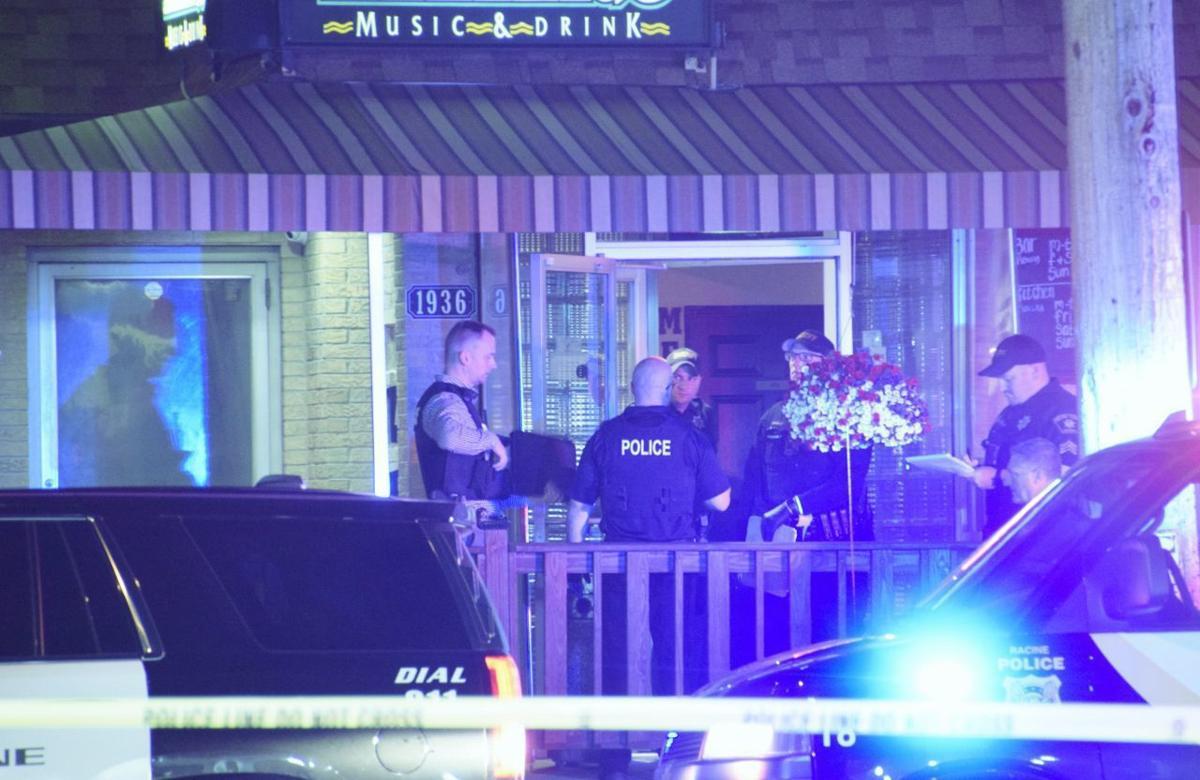 Veteran Racine police officer dies after robbery shooting | Crime