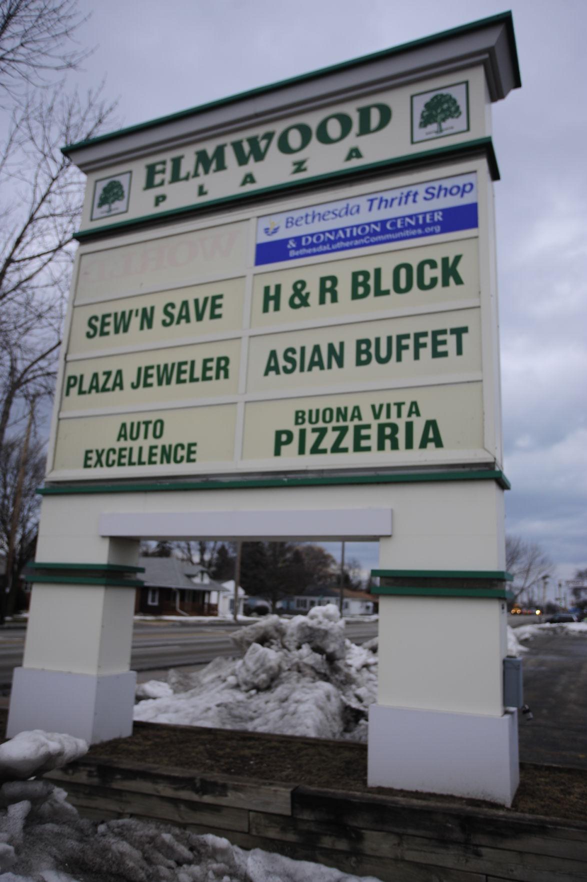 Elmwood Plaza going to auction Money