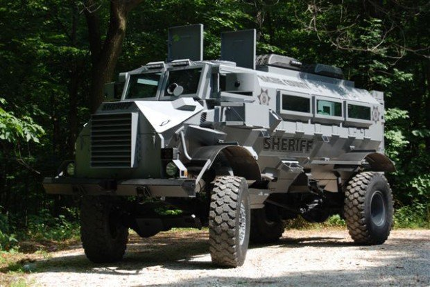 armored vehicle protected soldiers now racine county local news. Black Bedroom Furniture Sets. Home Design Ideas