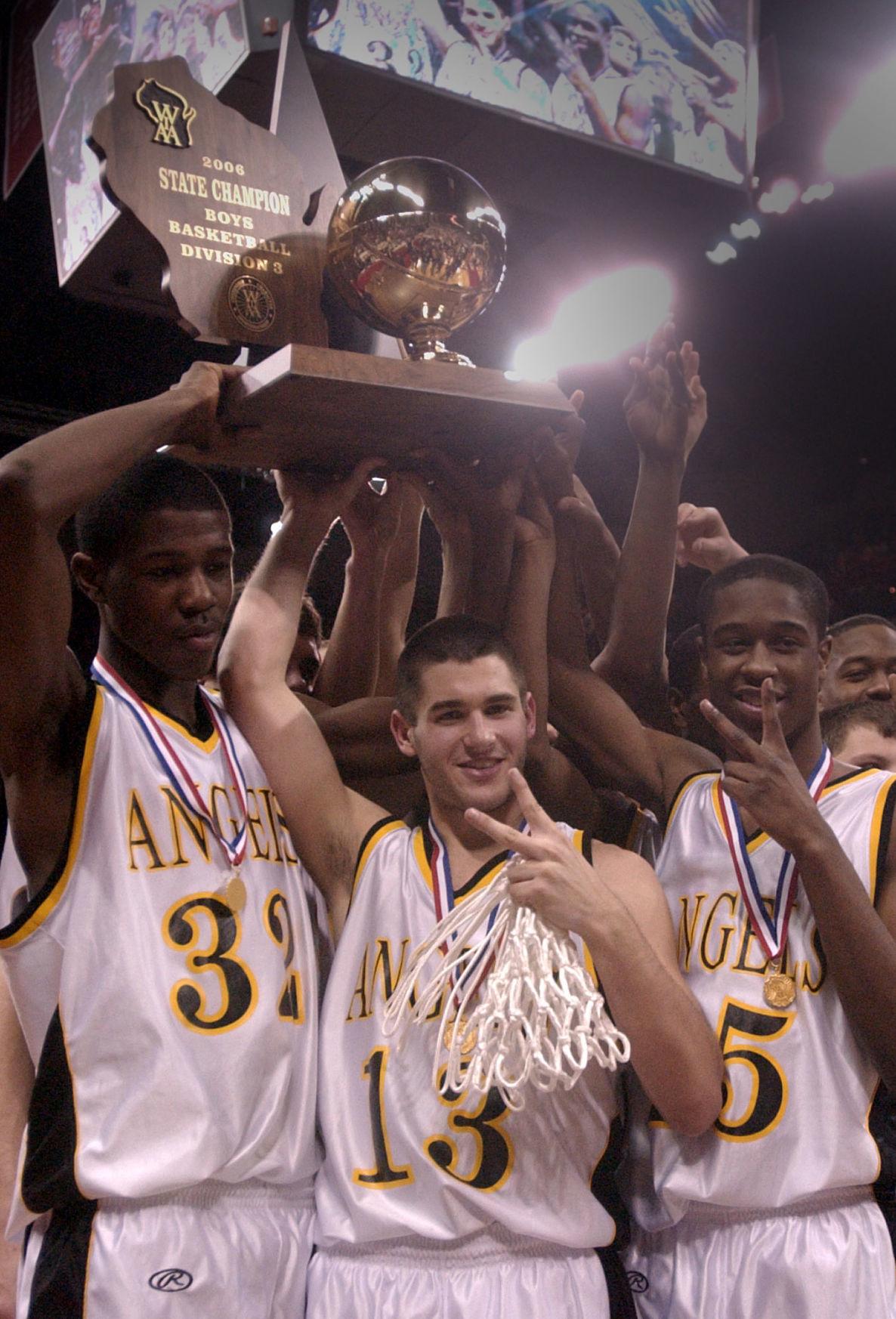 Jamie DeMatthew and teammates, 2006