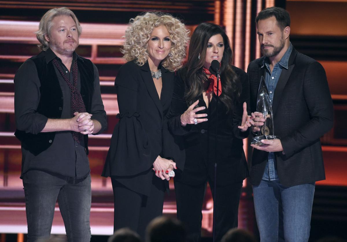 51st Annual CMA Awards - Show