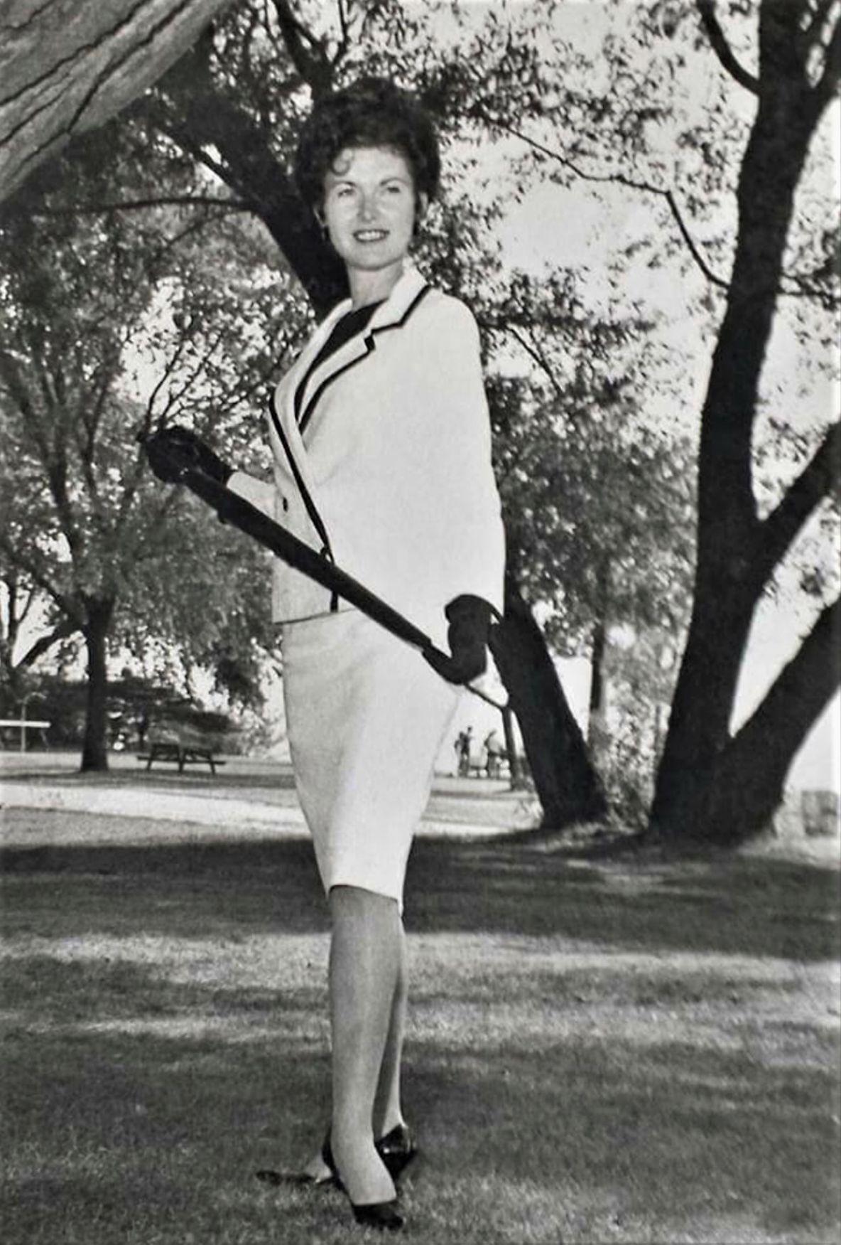 Joyce Leffler modeling, 1964