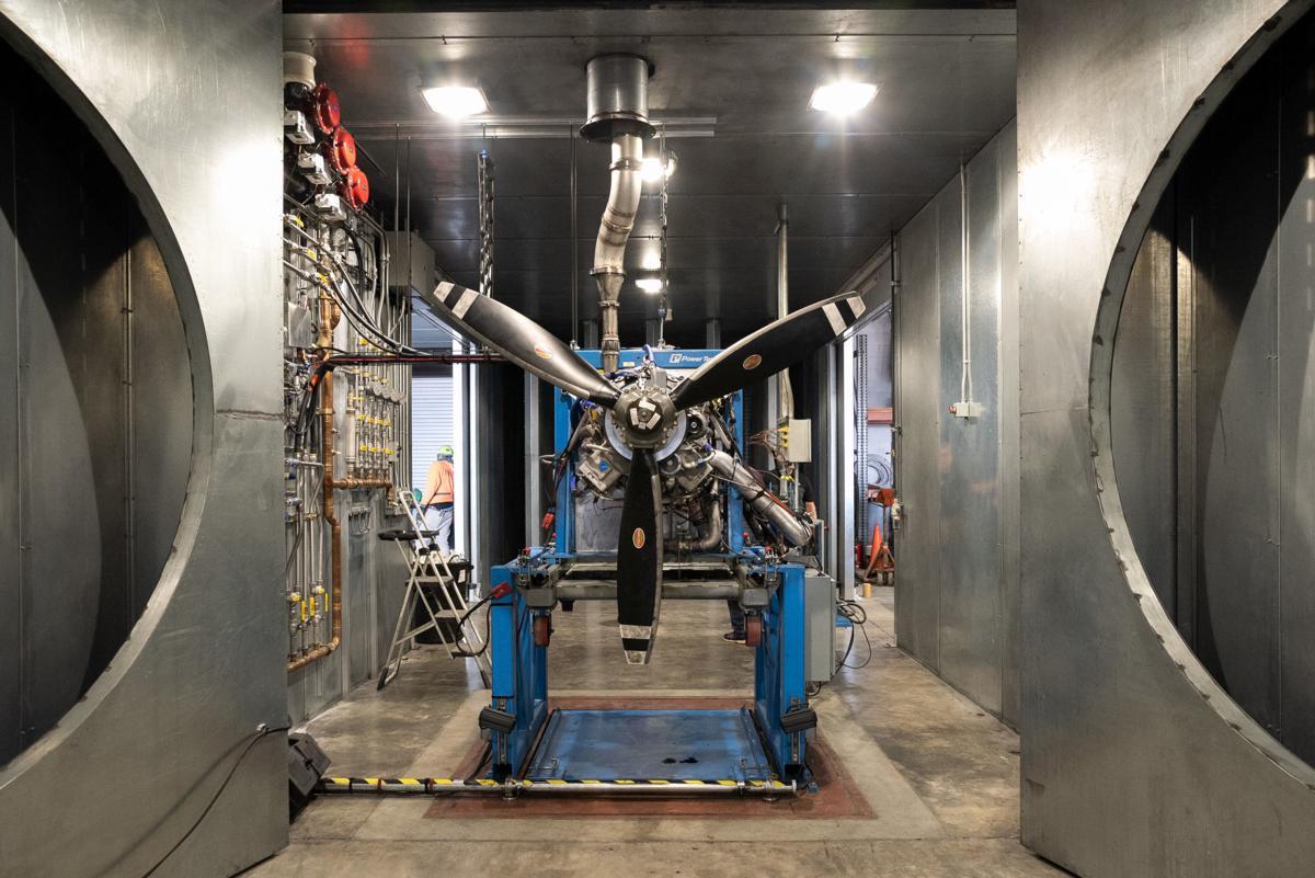 DeltaHawk Engines
