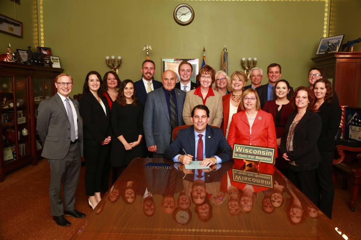 Gov. Scott Walker signs new deed law