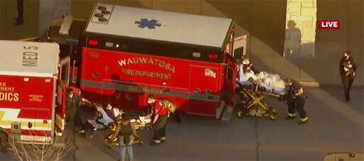 Mayor: Wisconsin mall shooting injuries not life-threatening