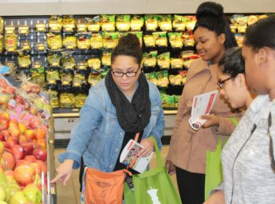 PEPS Students participate in nutrition education program